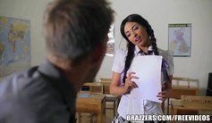 Brazzers - Young school girl does it right