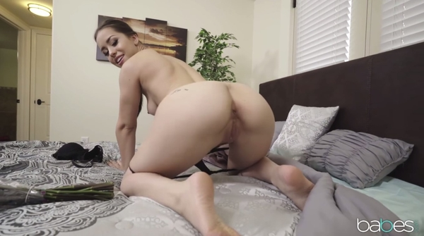 Extra Room Service For A Horny Slut